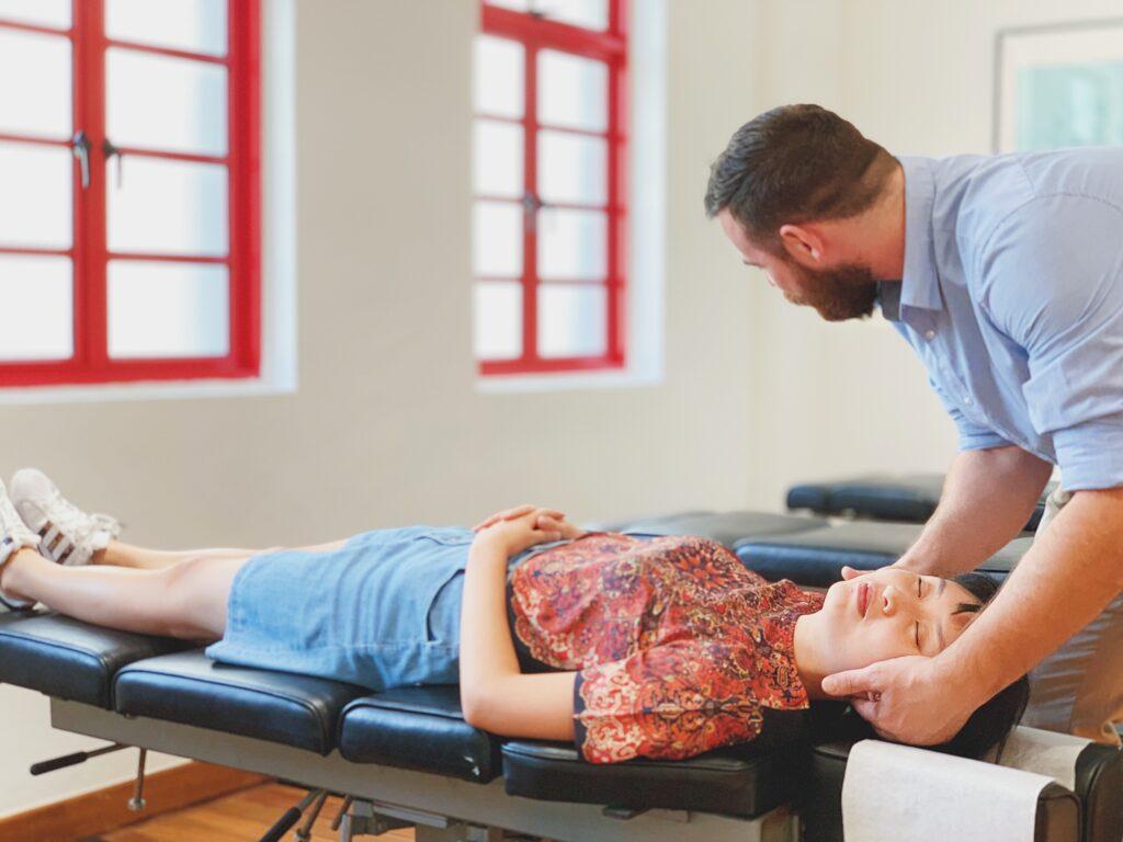 chiropractor adjustment chiropractic singapore